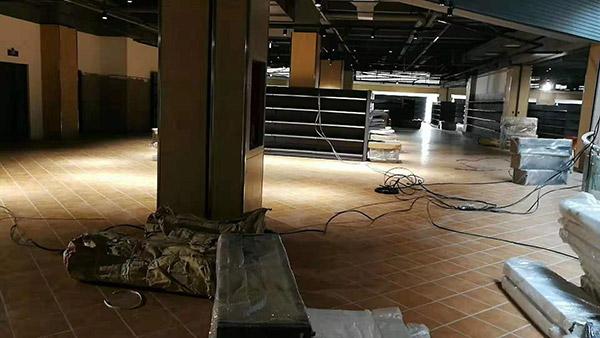 开封兰考世纪华联桐城国际综合购物中心商超货架案例