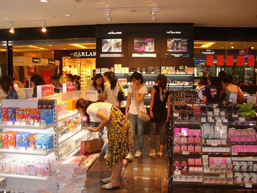 化妆品货架如何布局摆放更好