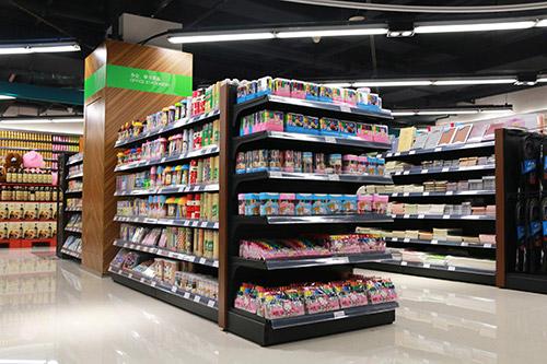 超市货架是白色好还是铁灰色的好