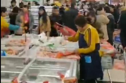 郑州客户超市开业现场,选择红叶货架生意红红火火