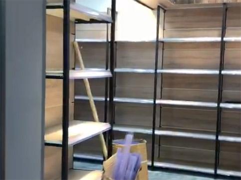 漯河好家一日鲜生鲜店货架安装完毕