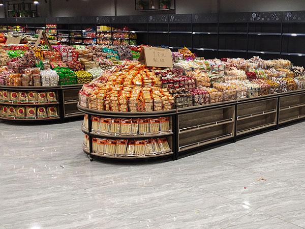散货柜三层,下面两层可以放置货物,空间利用率会更高